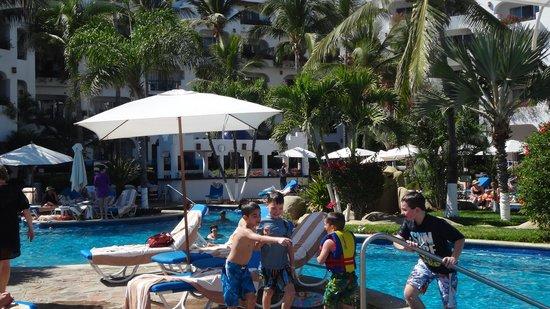 Pueblo Bonito Los Cabos: Kids at the pool