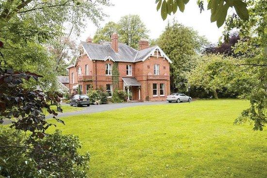 Glenmore Manor B&B