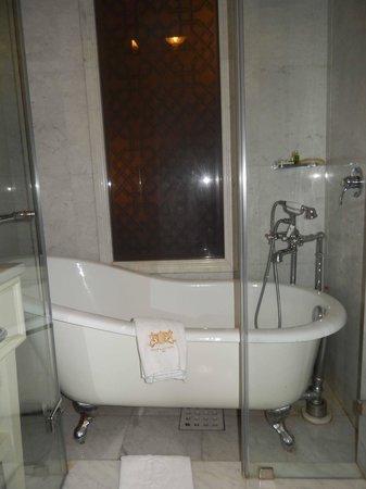 Pera Palace Hotel, Jumeirah: Ванная