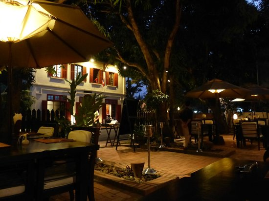 3 Nagas Restaurant: Evening dining on the terrace