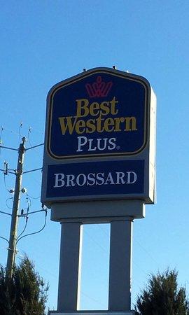 BEST WESTERN Hotel Brossard : From outside