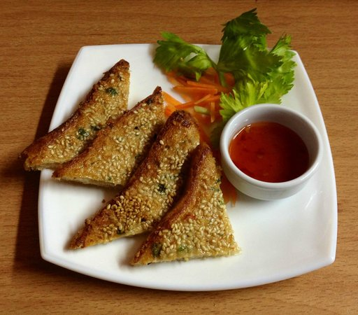 Twin Dragon: Sesame Prawn Toast