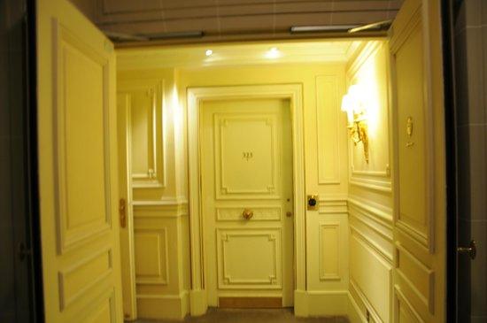 Le Meurice : Our door to Parisian Heaven