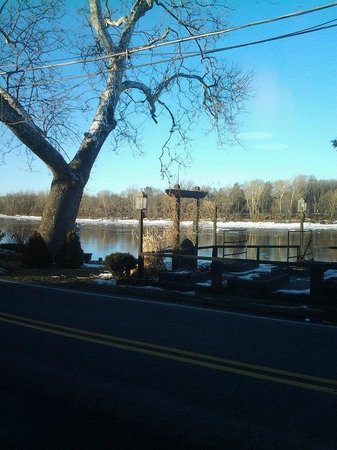 Yardley Inn: Our view from our table