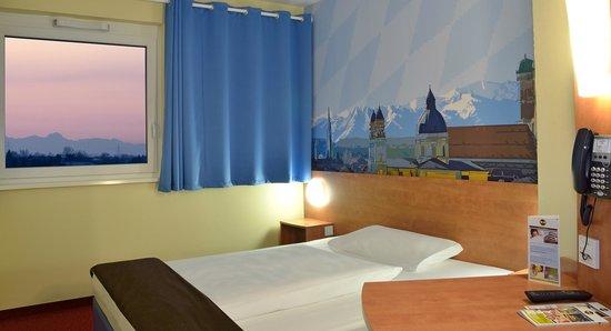 B&B Hotel Muenchen-Airport: B&B Hotel München-Airport - Zimmer mit französischem Bett