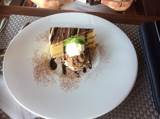 Imperial Boat House Beach Resort: tiramisu, light and delicicious