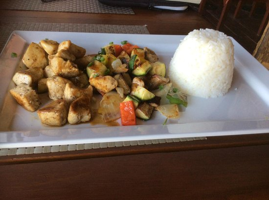 Imperial Boat House Beach Resort: Stir fried chicken and rice, tasty