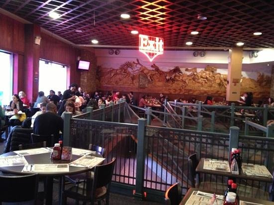 Dallas BBQ Times Square : Part of the upstairs dinning room