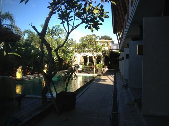 Anini Raka Resort & Spa : small pool, this hotel got 2 pools
