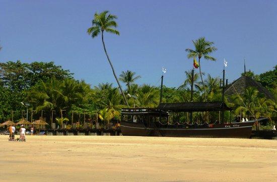 Ngapali Beach : A beach restaurant