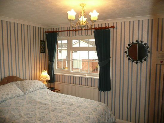 The Wirrals: Double Bedroom