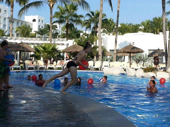 ClubHotel RIU Jalisco : pool games