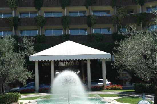 Rome Cavalieri, Waldorf Astoria Hotels & Resorts: Grounds