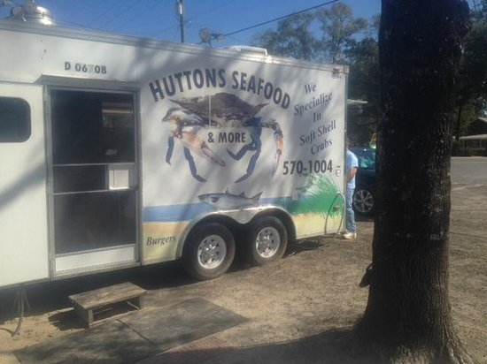 Huttons Seafood and More: Huttons Seafood