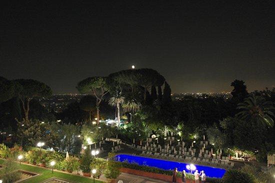 Rome Cavalieri, Waldorf Astoria Hotels & Resorts: View from Room