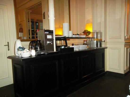 Hotel Peyris Opera: Parte del buffet dolce