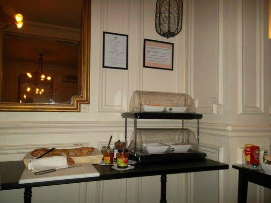 Hotel Peyris Opera : Buffet salato