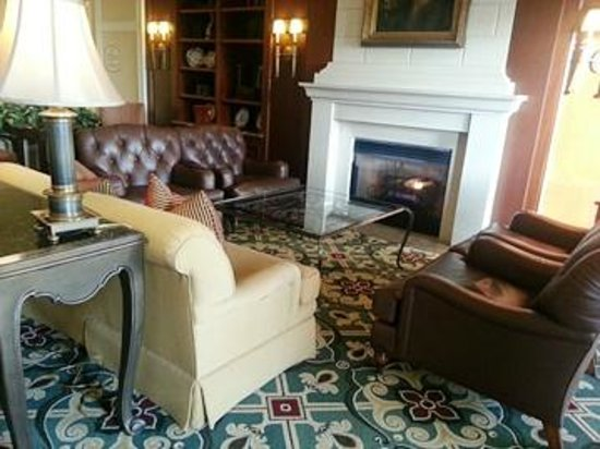 The Ballantyne Hotel and Lodge: Ballantyne Lobby fireplace