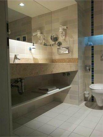 Atrium Fashion Hotel : Bagno