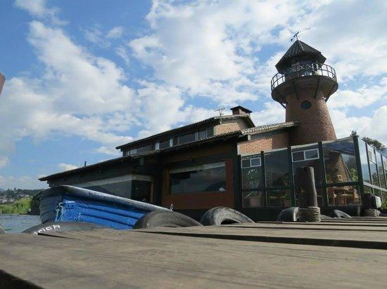 Puerto Lago: Exterior del restaurant