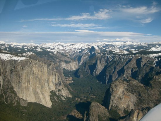 Airport Inn: Yosemite National Park, view from the air