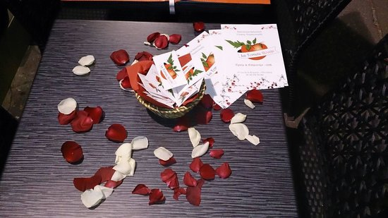 la tomate rouge picture of la tomate italienne paris tripadvisor. Black Bedroom Furniture Sets. Home Design Ideas