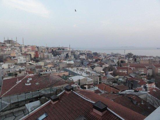 Grand Yavuz Hotel : L'hôtel est situé dans un dédale de petites rues