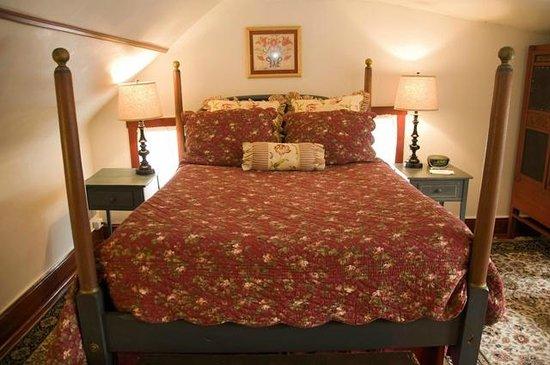 The Ashby Inn: The East Dominion Room