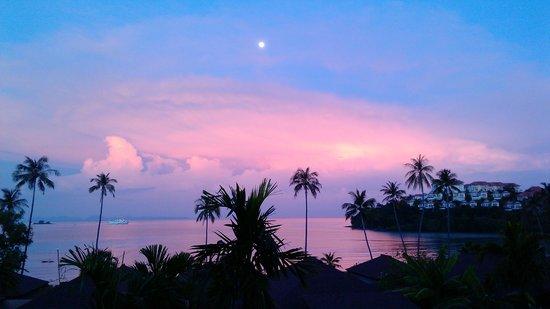 Pullman Phuket Panwa Beach Resort: sunset
