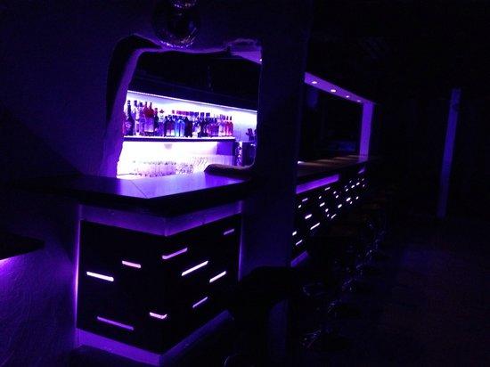 Farinet Restaurant & Nightclub: ze club disco bar