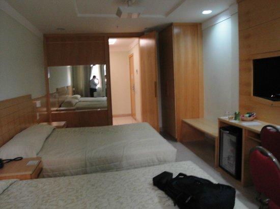 Hotel Sao Francisco: Quarto Amplo