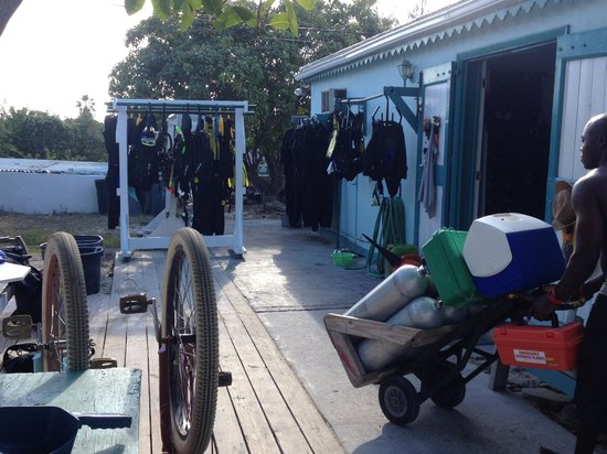 Grand Turk Diving : Back area where you get your gear.