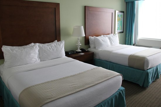 Holiday Inn Resort Pensacola Beach : Comfy beds. We slept like babies.