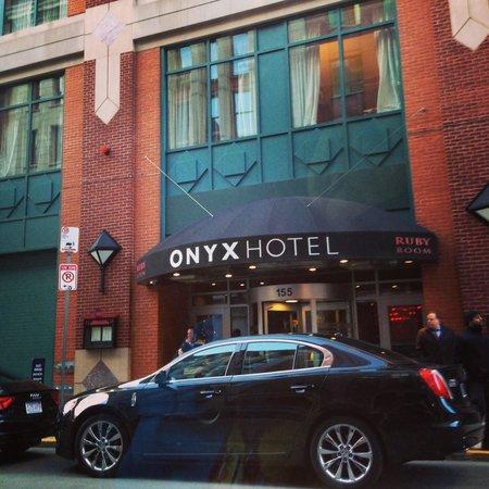 Kimpton Onyx Hotel: Front entrance