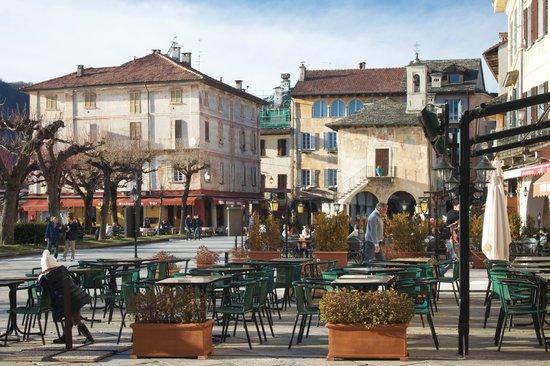 Lake Orta : The town square