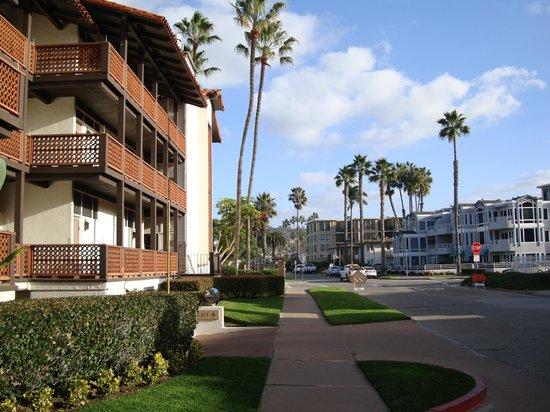 La Jolla Shores Hotel: главный вход