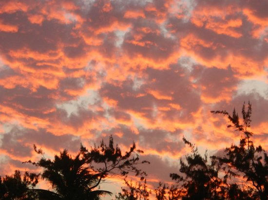 Surfer's Point Guest House: Great skies