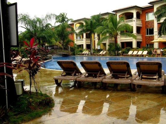 Infinity Bay Spa and Beach Resort : Pool area