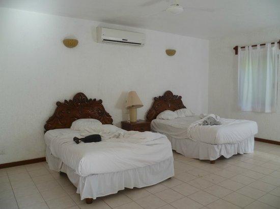 Na Balam Beach Hotel: Letti piccoli per una coppia