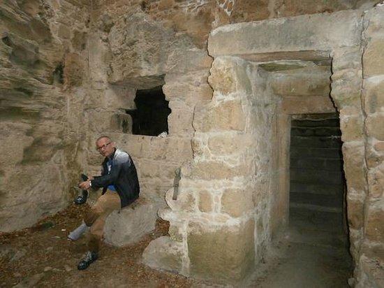 St. Solomon's Catacombs : Муж провалился в воду