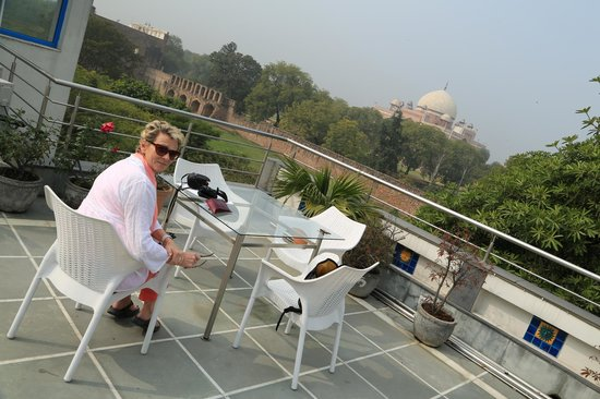 B Nineteen (B-19) Bed & Breakfast: Rooftop terrace with Humayun's tomb close by