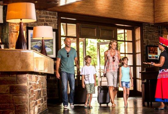 Drakensberg Sun Resort: Foyer entrance