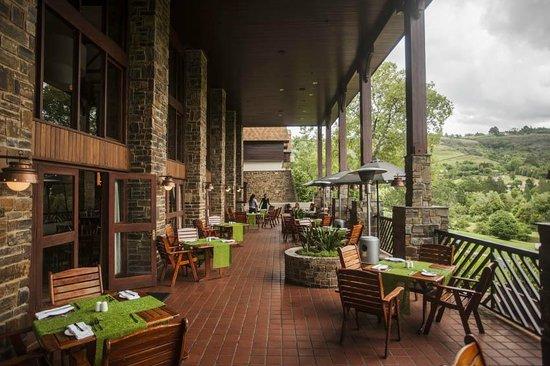 Drakensberg Sun Resort: Lakeview Terrace