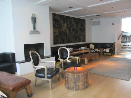 101 hotel: Lobby