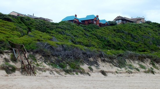 Dolphin Dunes Guesthouse: Vom Strand aus