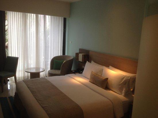 Holiday Inn Express Phuket Patong Beach Central : Номер