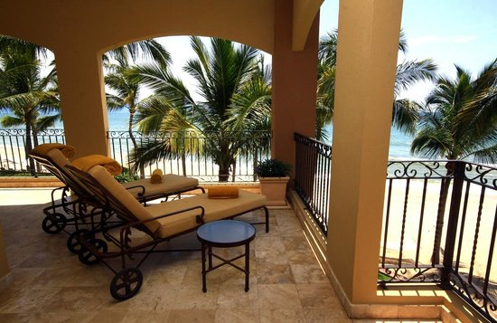 Villa La Estancia: Three Bedroom Ocean Front
