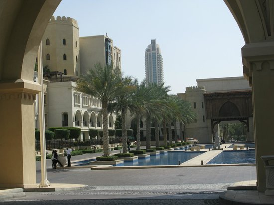 Palace Downtown : Veiw of the Hotel entrance