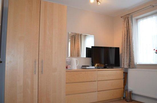 Dorchester Guest House : Family Suite