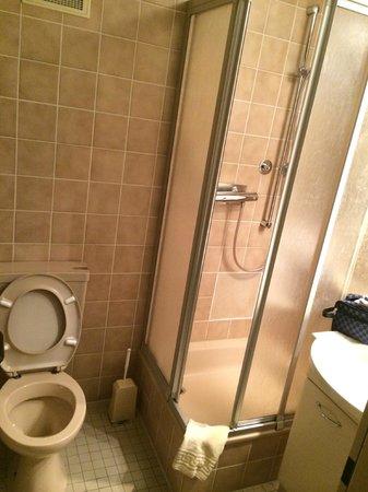 AMBER HOTEL Leonberg/Stuttgart: Bathroom